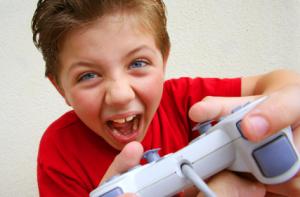 El Chango disfrutando su PlayStation el 6 de enero  -DRAMATIZACIÓN EN RUBIO-
